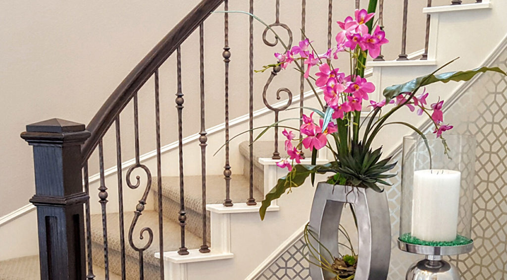 Tuscan Square Hammered Solid Iron Balusters